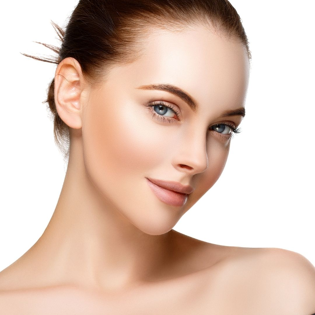 A dark auburn beauty with long smooth neck demonstrates thread lifts by Medical Injectables in Wollongong and Orange NSW